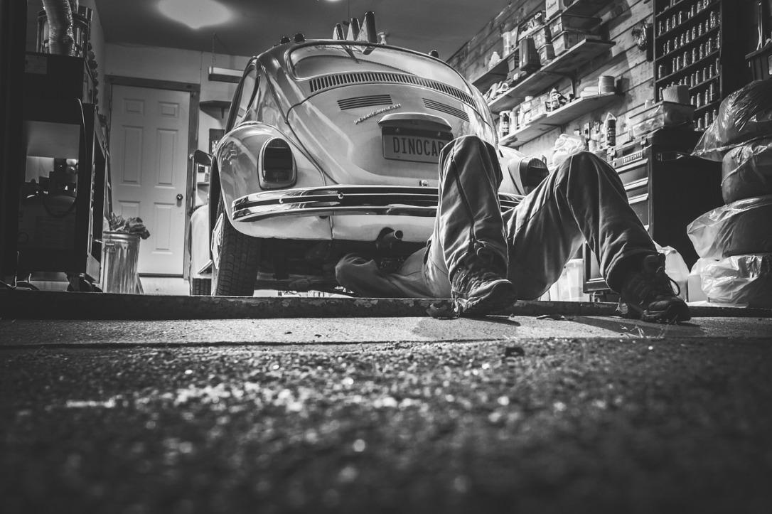 car-repair-362150_1280.jpg