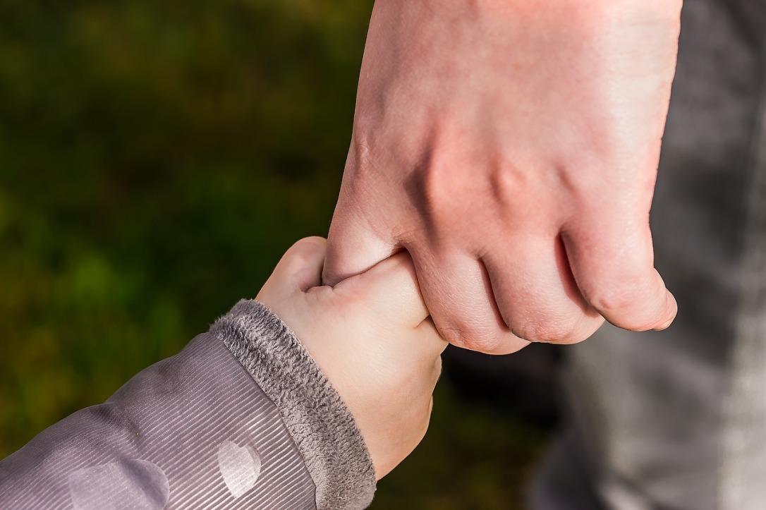 hands-1797401_1280.jpg