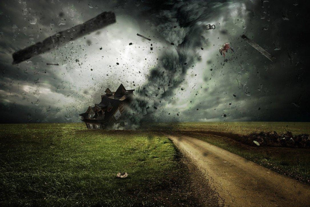 cyclone-2100663_1280